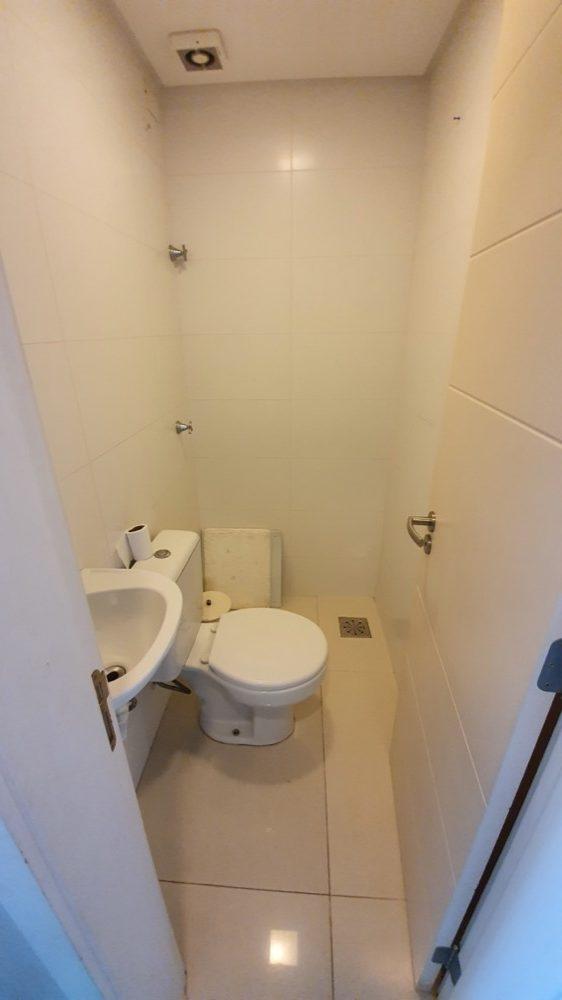 17 Banheiro serviço